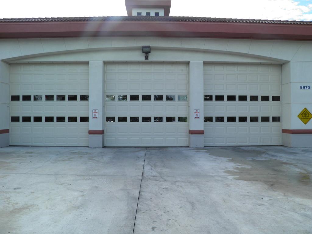 Model 811 Fire Station Doors Dab